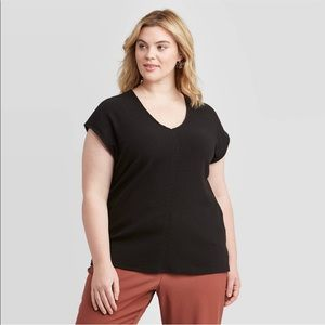 Women's plus size v neck ribbed top